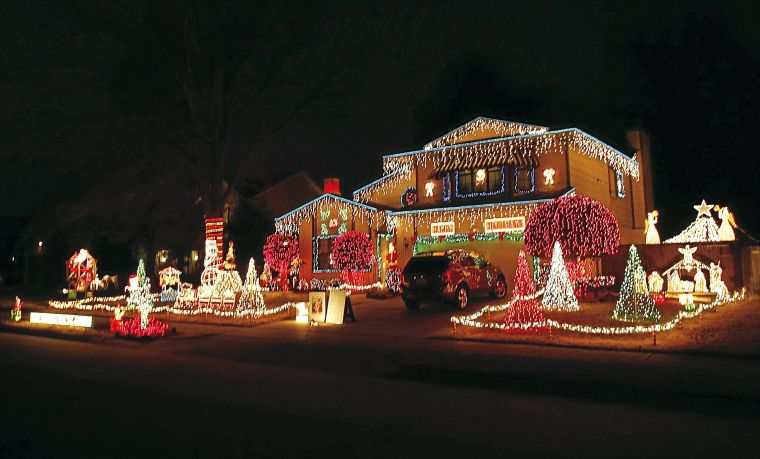 help us map out the best holiday light displays - Best Christmas Light Displays