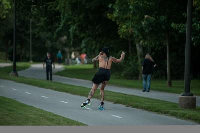 Toplesss Rollerskate4436