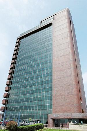 Remington Tower sells for $3.75 million to group of Tulsa investors - Tulsa World: Real Estate