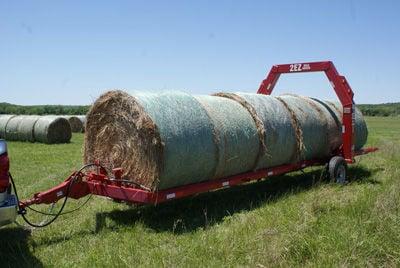 2ez Hydraulic Bumper Pull Hay Trailer