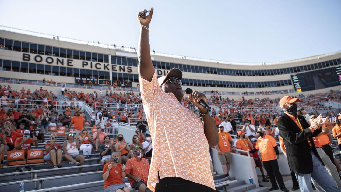 West Virginia at Oklahoma State notes: Thurman Thomas is OSU's first inductee into Ring of Honor