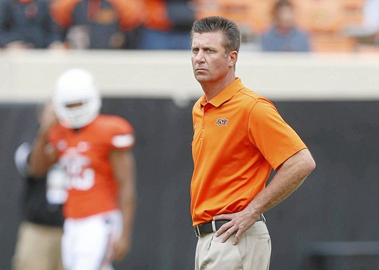 Mike Gundy urges players to make positive decisions ...