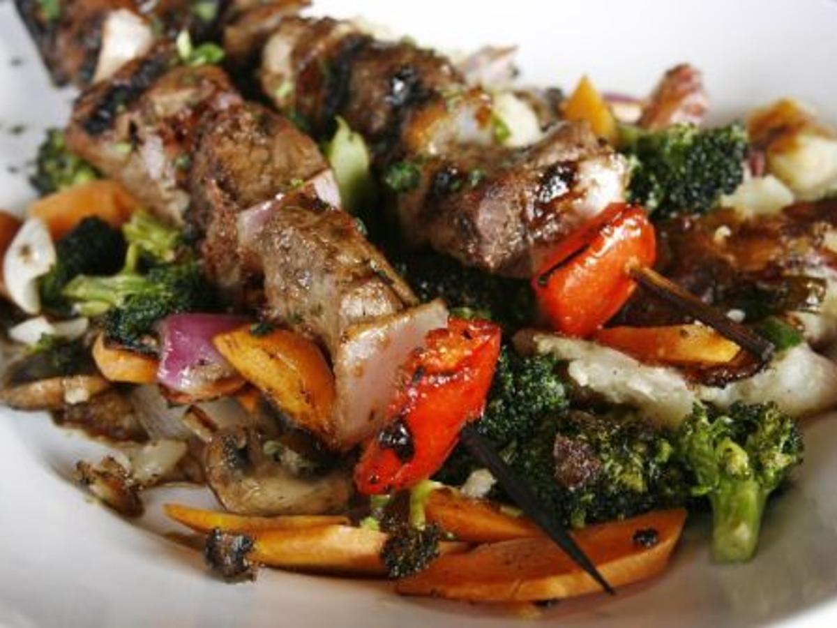 Zoes Kitchen Healthful Dining Is Focus Of New Brookside Eatery Dining Tulsaworld Com