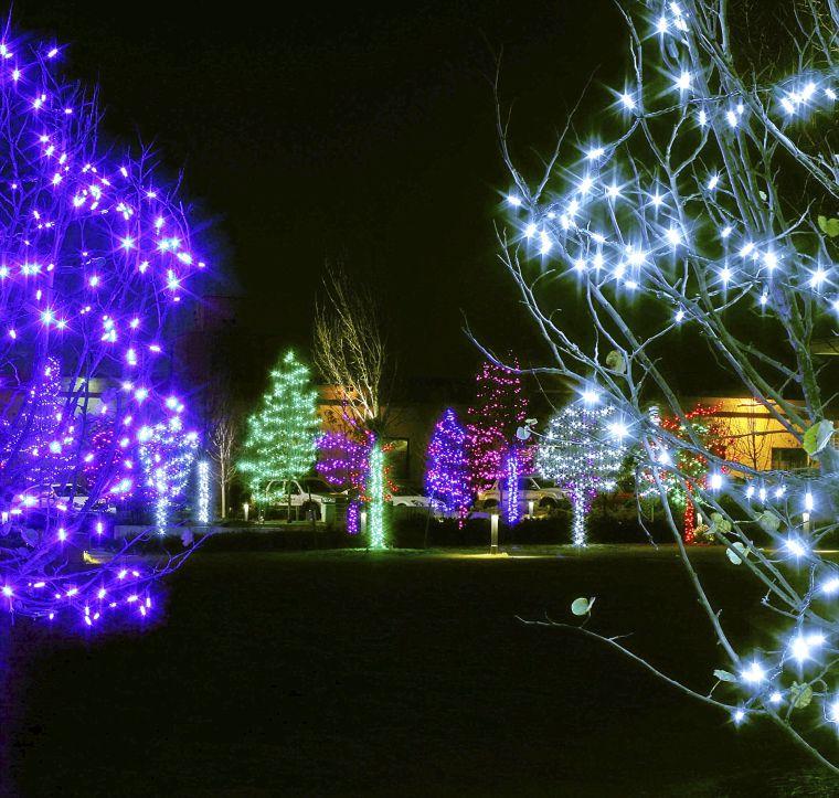 Christmas Lights Awesome Displays Across Metro Tulsa Arts And Entertainment Tulsaworld