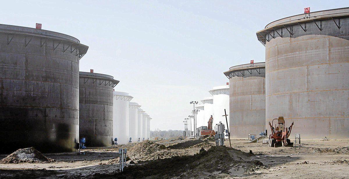 Crude oil stock at Cushing hub hits record high | Business News |  tulsaworld.com