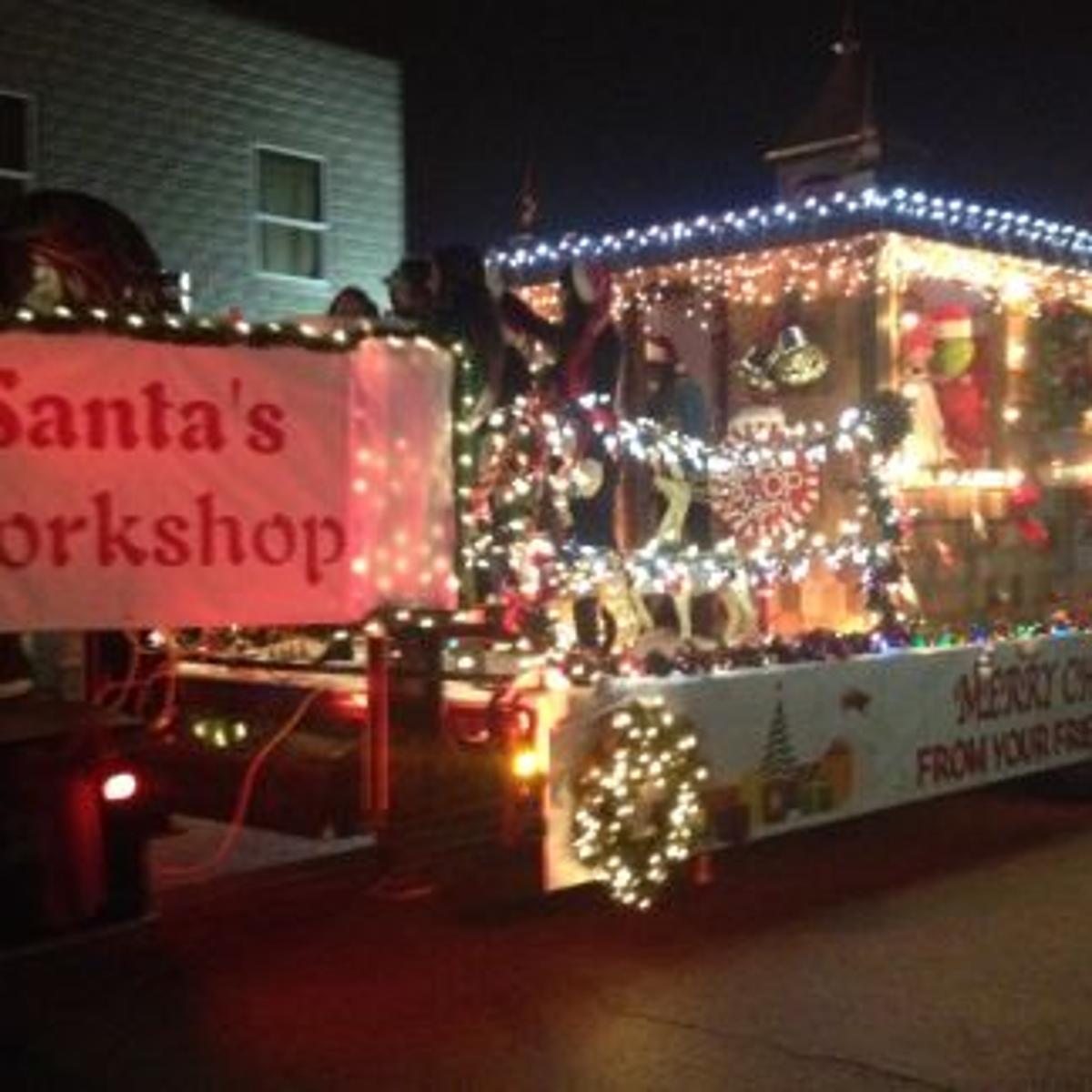 Bixby Christmas Parade 2020 Santa Claus Makes Appearance at Bixby Christmas Parade | Latest