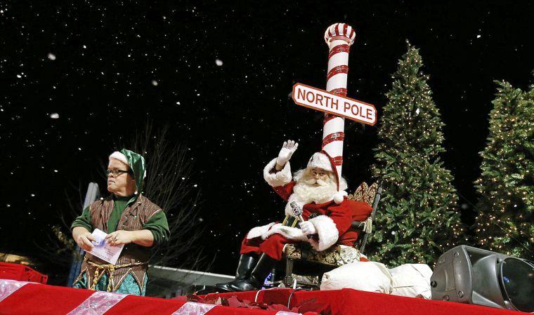 Mannford Christmas Parade 2021 Downtown Tulsa Christmas Parade Brings Joy To Kids Adults Alike Local News Tulsaworld Com