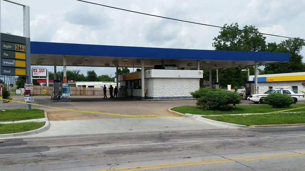 Man fatally shot at north tulsa car wash crimewatch tulsaworld man fatally shot at north tulsa car wash solutioingenieria Gallery