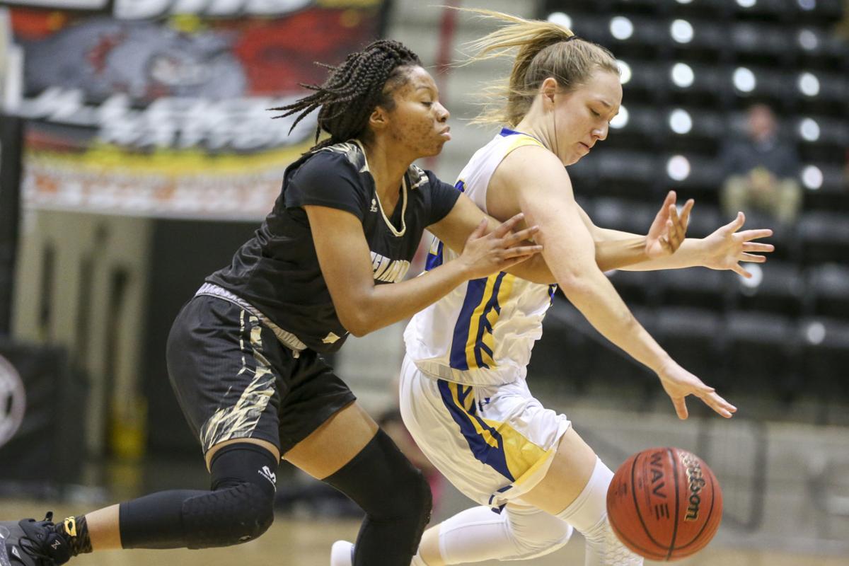 Girls basketball: Broken Arrow rallies from 21 down to beat