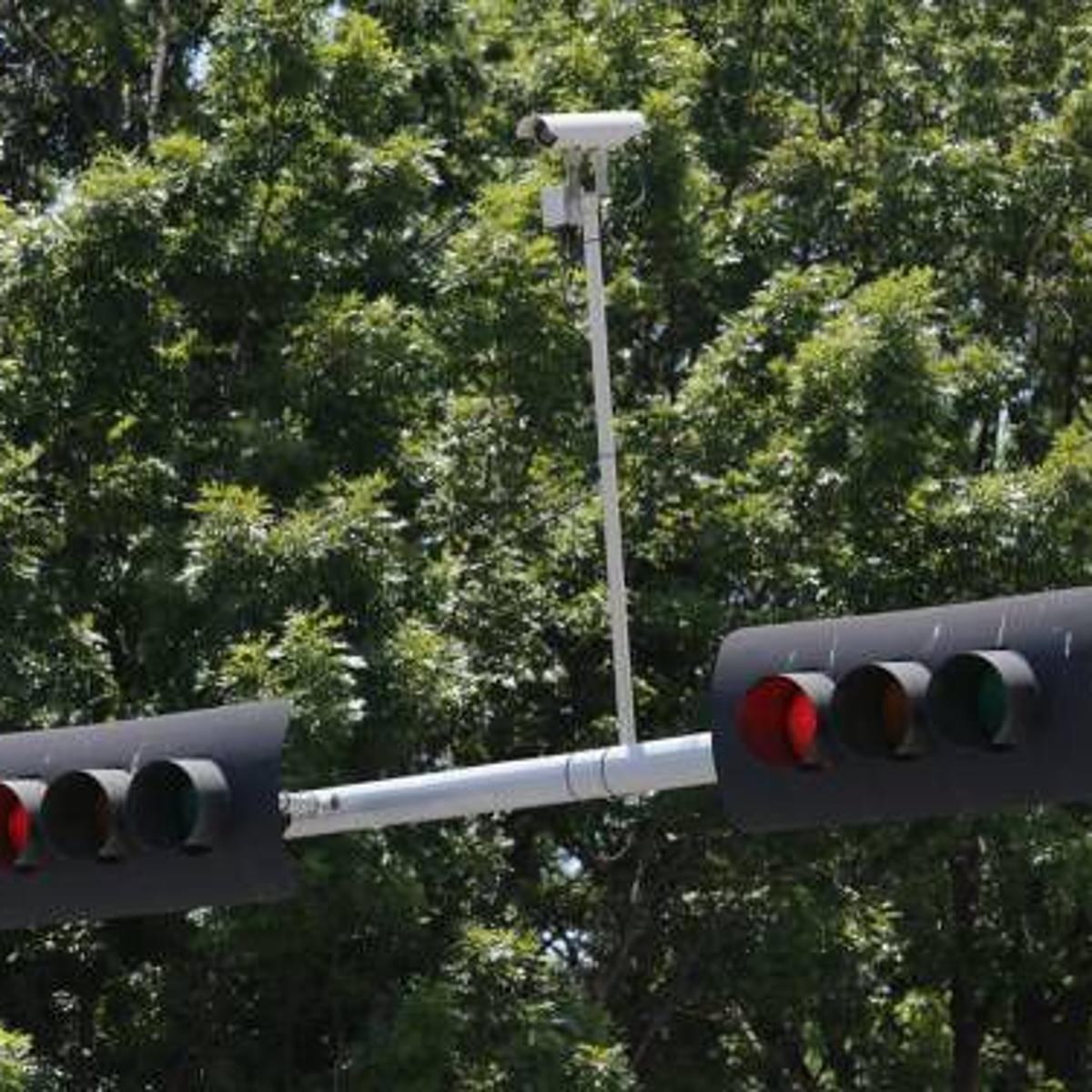 Bill Banning Red Light Cameras Passes Oklahoma Senate State And Regional News Tulsaworld Com