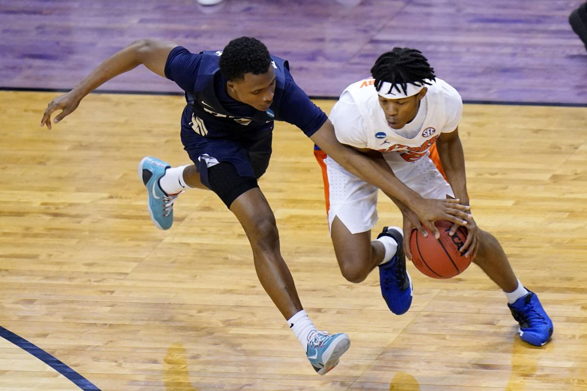 NCAA Oral Roberts Florida Basketball