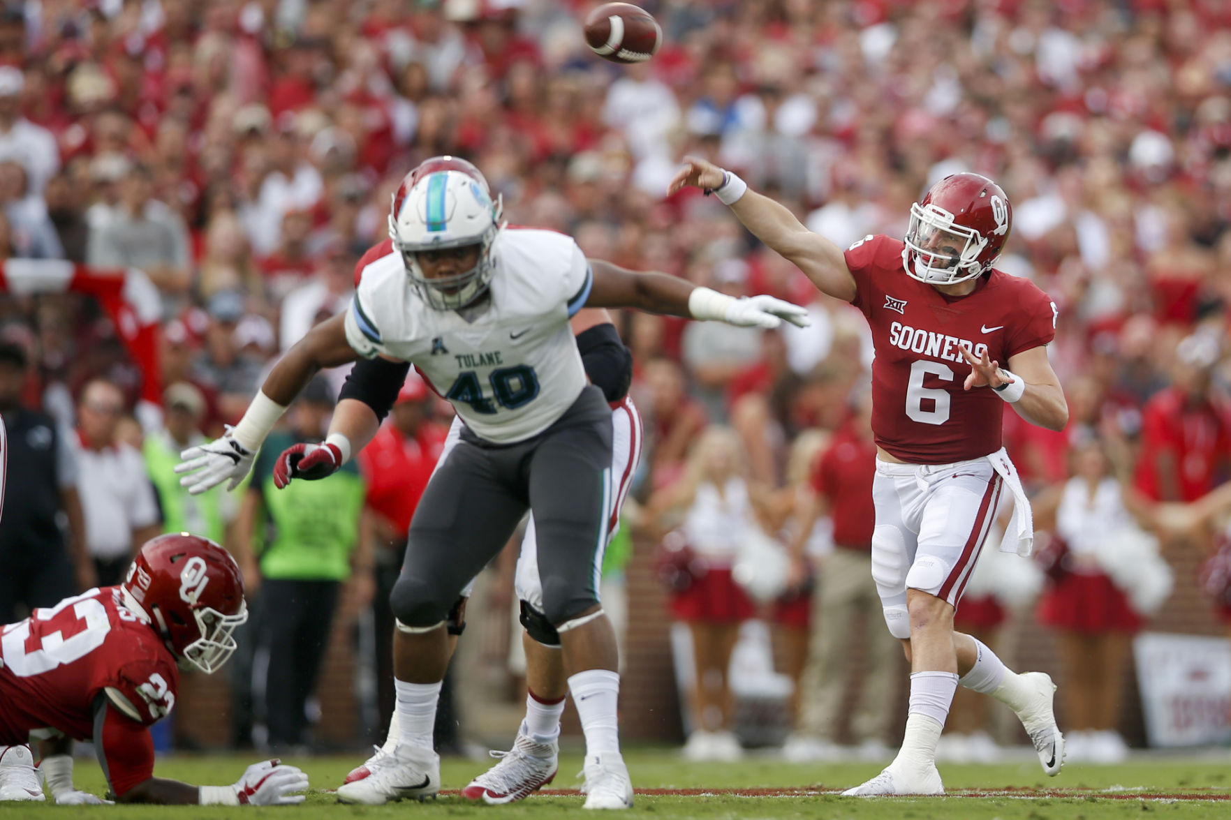 Mayfield throws 4 TDs as No. 2 Oklahoma tops Tulane 56-14