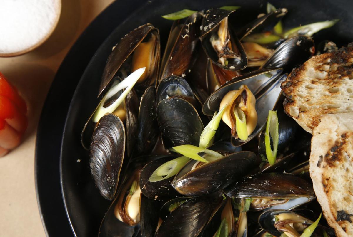 Duet mussels