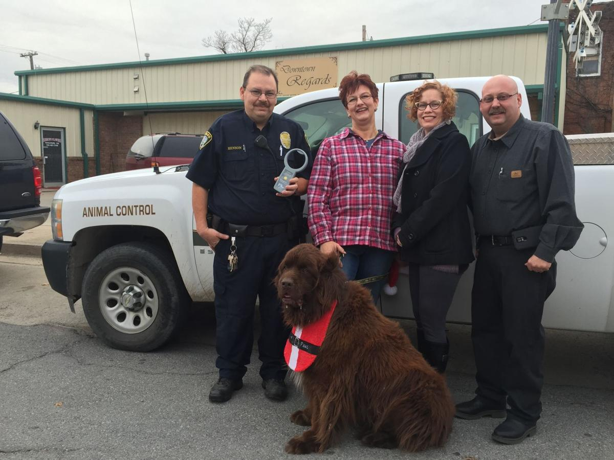 Animal Control receives donation of scanner and beds