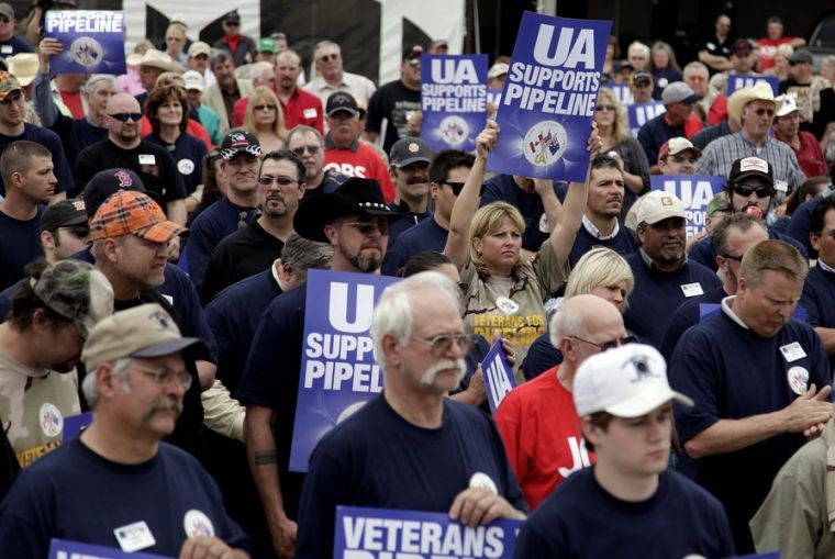 Keystone XL pipeline supporters rally