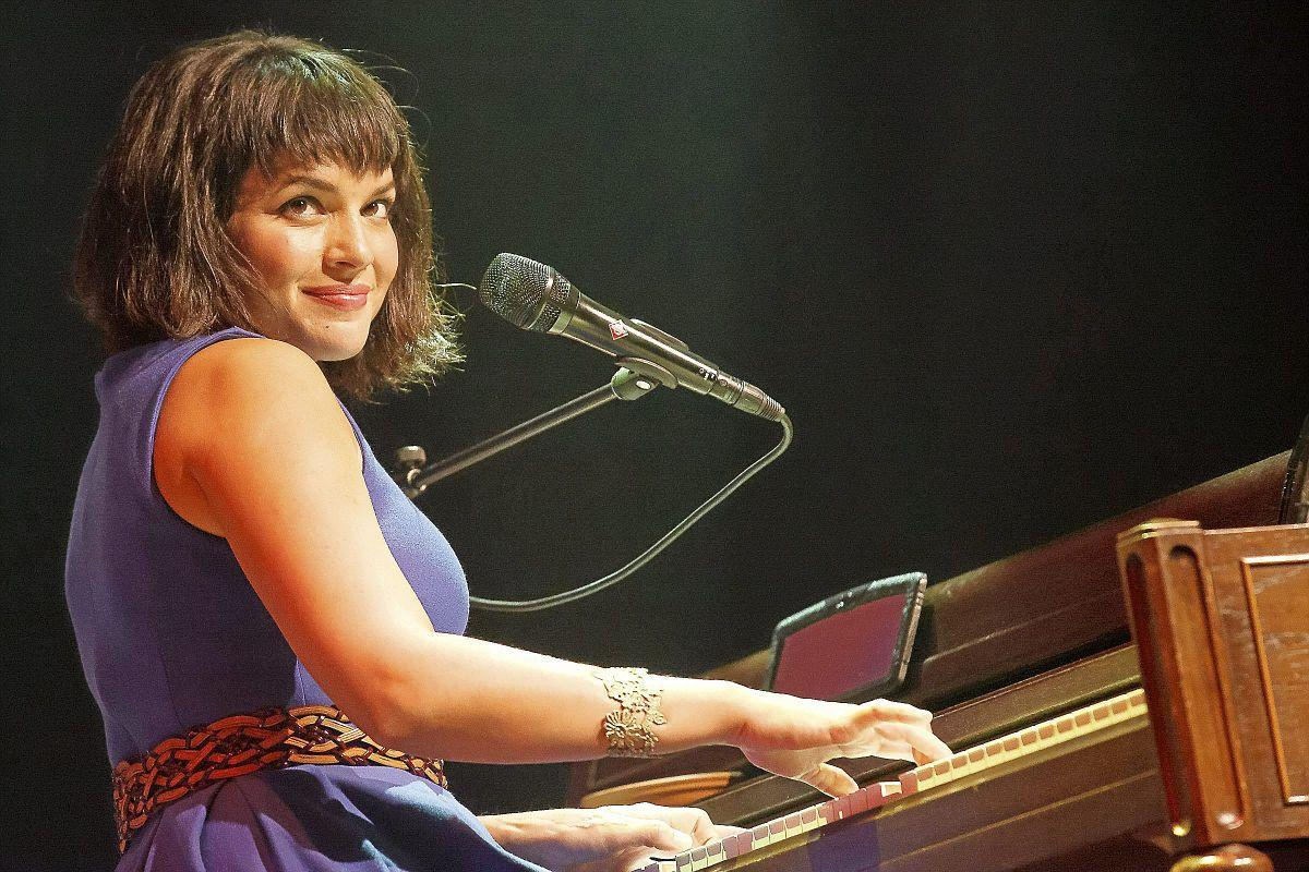 Norah Jones brings back jazzy vibe with new album, \'Day Breaks ...