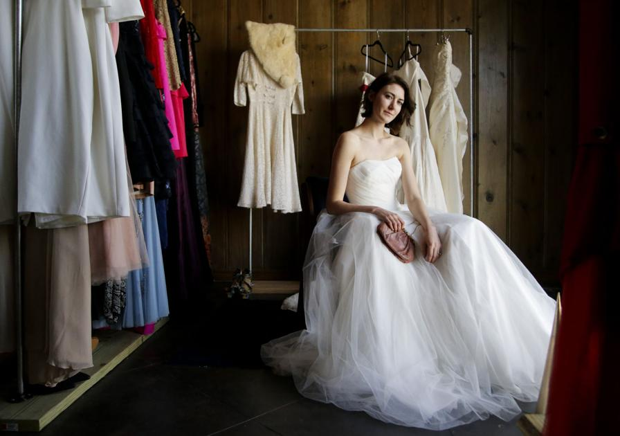 Why buy vintage and resale wedding dresses | Ritasherrow ...