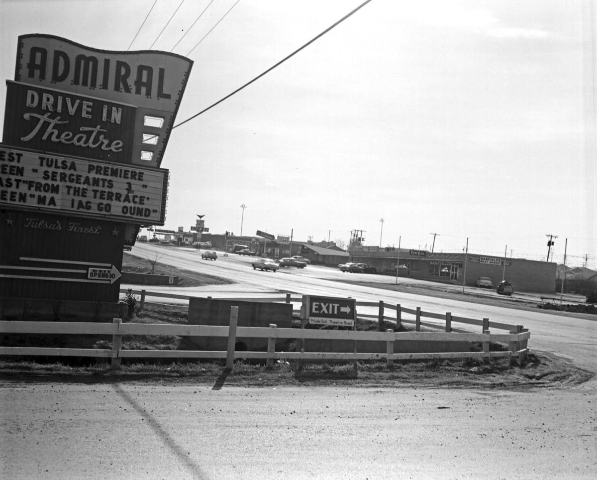 Photo Gallery Tulsa S Historic Admiral Twin Drive In Has Drawn Crowds For Decades Slideshows Tulsaworld