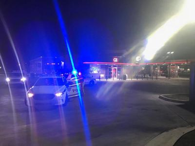 Security guard shoots man at QuikTrip on East Admiral Place
