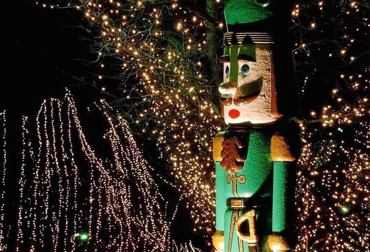 Tahlequah Christmas Parade 2021 Celebrate The Magic Of The Holidays With This Guide To Events Parades Festivals And More Archive Tulsaworld Com