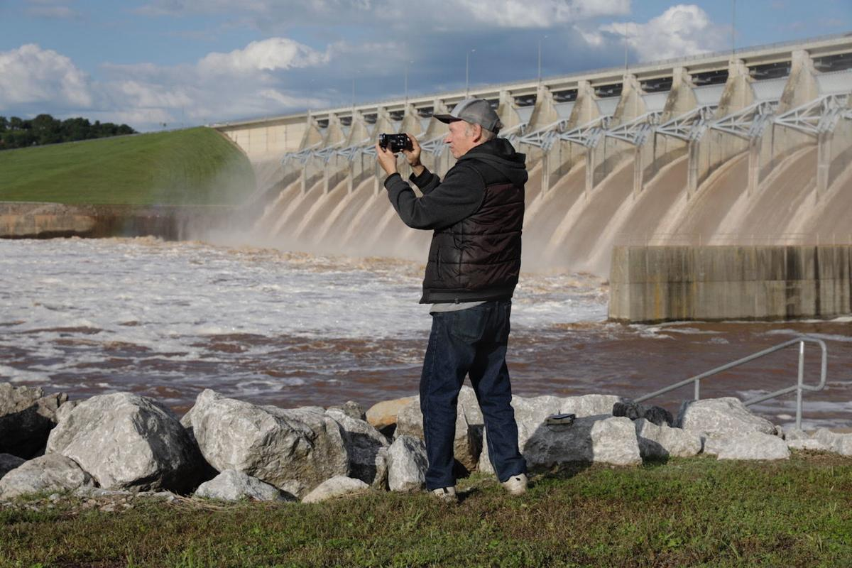 Keystone Dam release at 24-year high, but corps says panic
