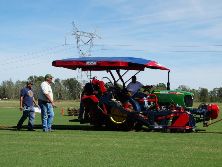 Local Sod Farmers Harvest Good Relationships At Sod Field Days Archive Tulsaworld Com