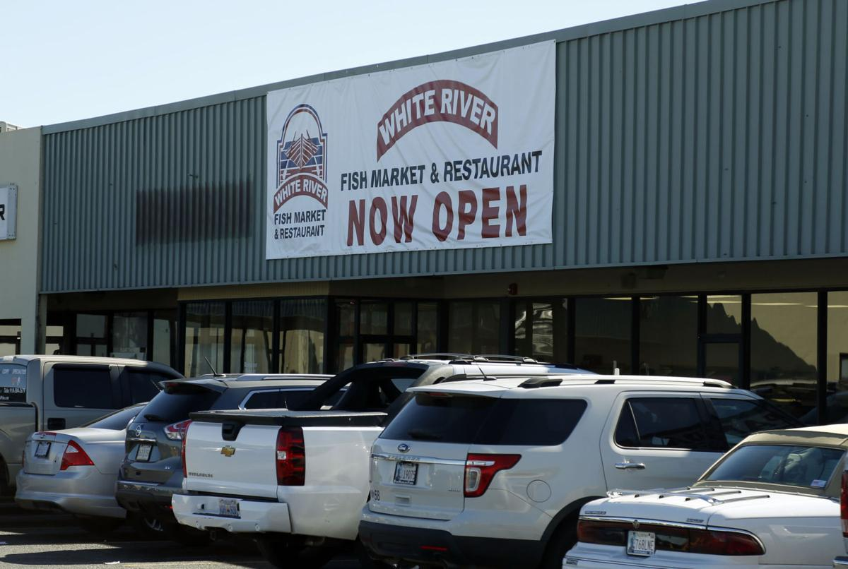 Two injured at broken arrow restaurant when wagoner county for Fish store tulsa