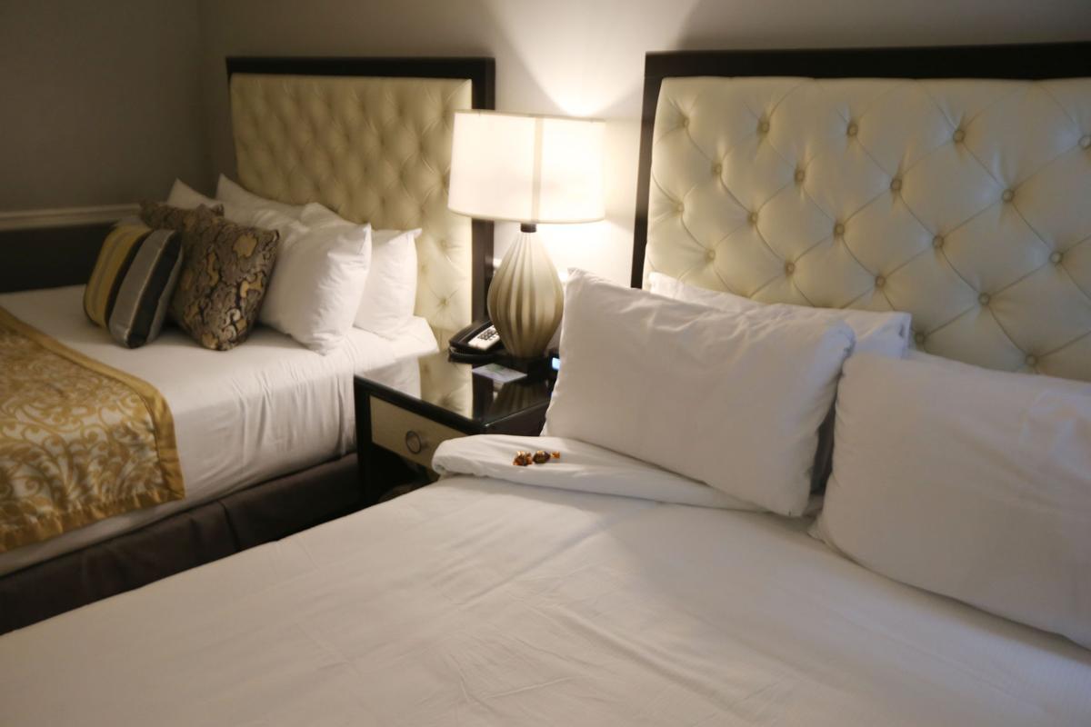 Photo gallery inside tulsa39s world class ambassador hotel for Futon and mattress world tulsa