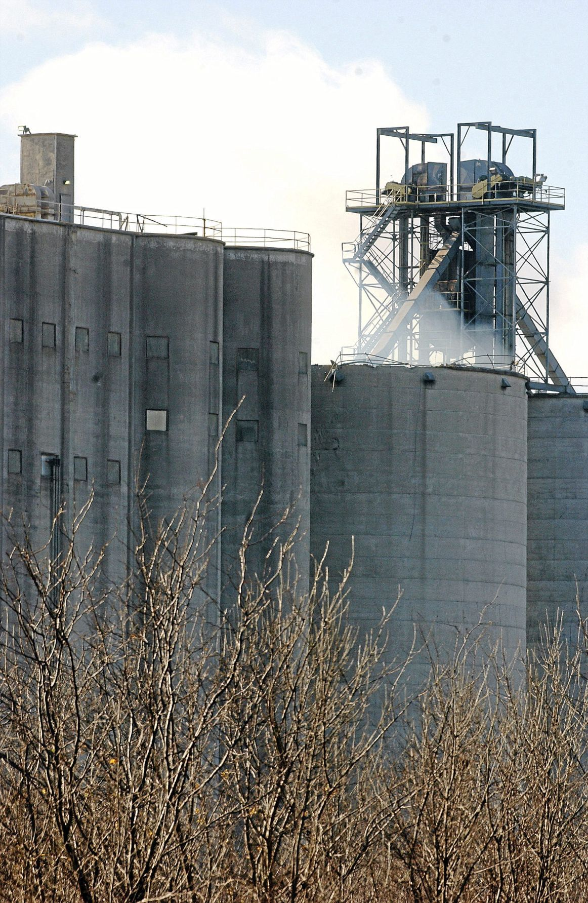 Explosion blows top off feed grain silo in Ottawa County ...