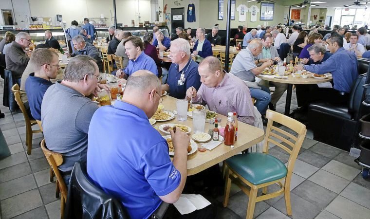 Review white river fish market still offers an ocean of for Fish market tulsa
