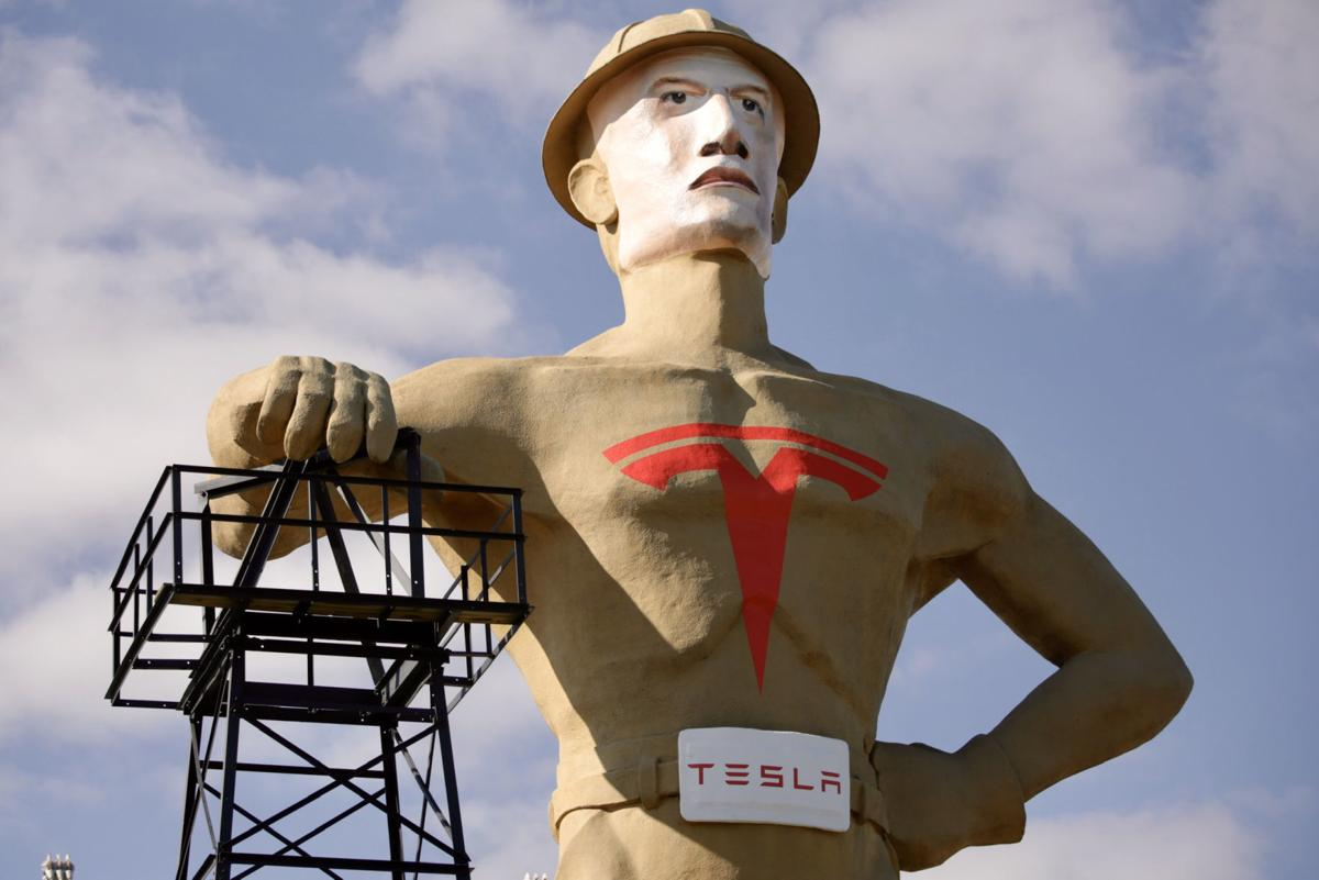 Tulsa's Golden Driller in 2020