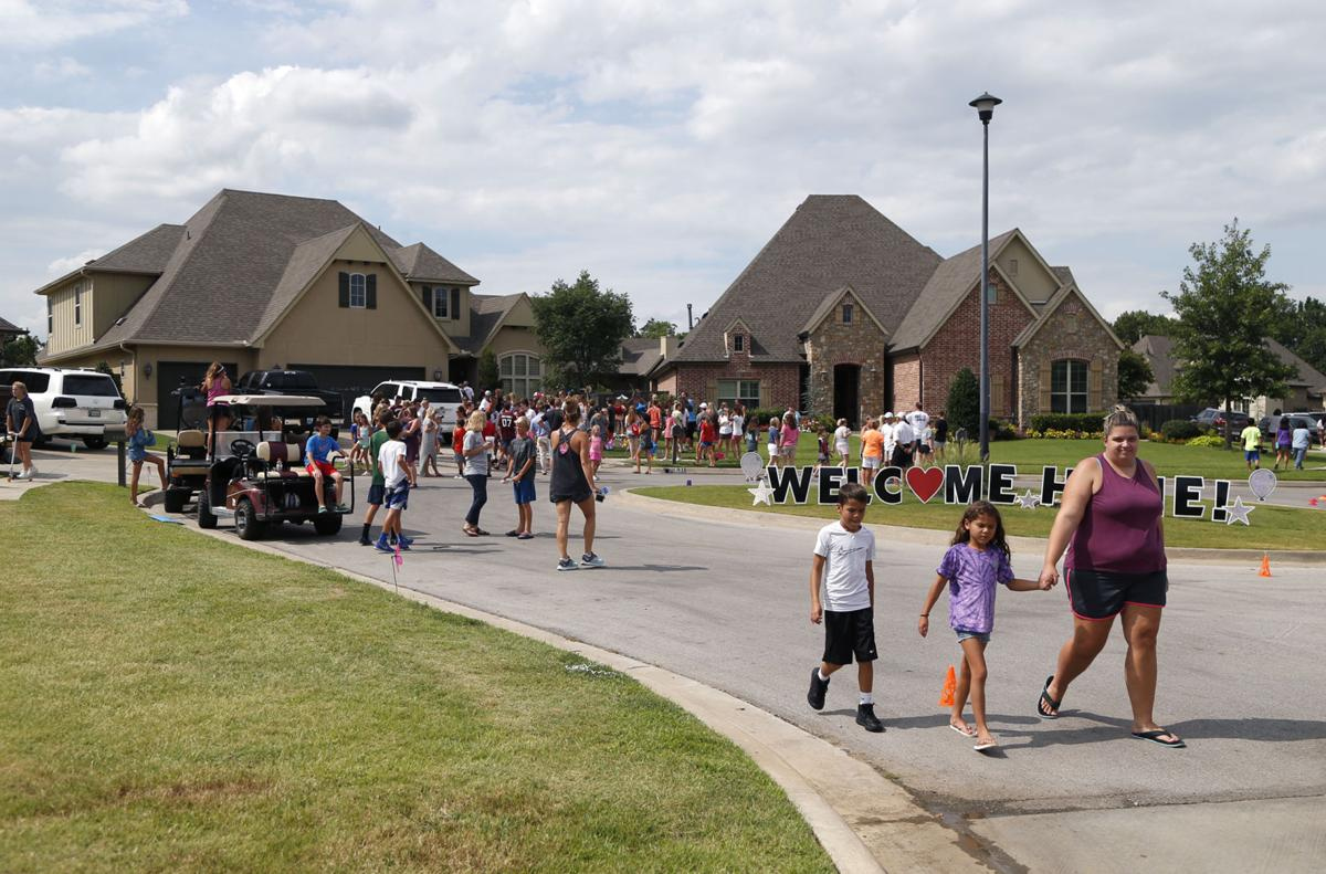 Jenks teen gets warm welcome as she returns home after surviving crash that killed 4 | Metro ...