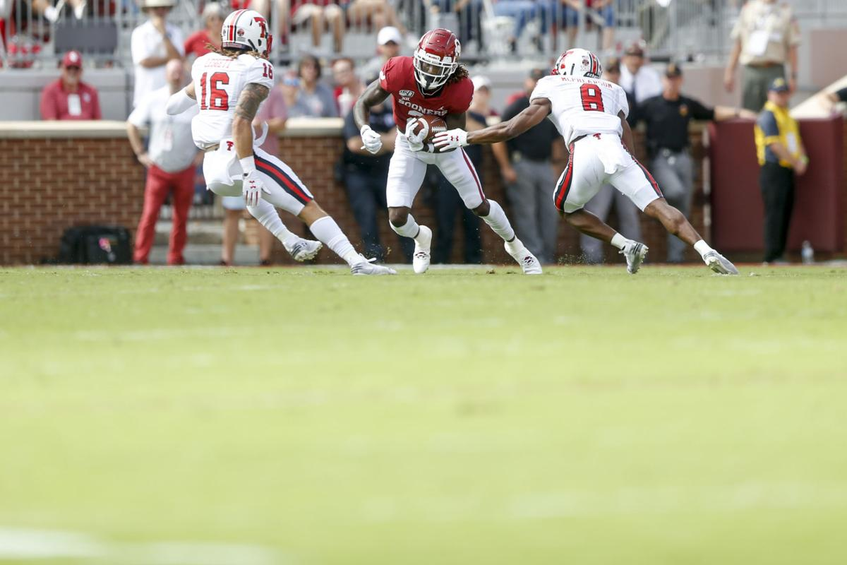 Ou 55 Texas Tech 16 Ceedee Lamb Has Career Day As Sooners Roll In Big 12 Opener Ou Sports Extra Tulsaworld Com