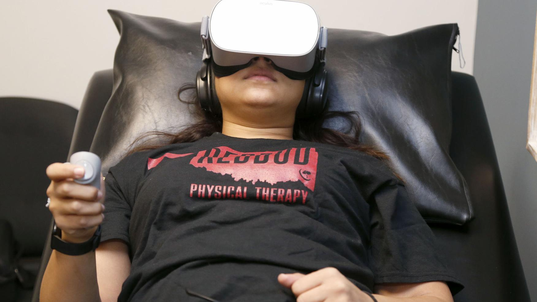 Physical therapy program incorporates virtual reality into pain management treatment | Work & Money