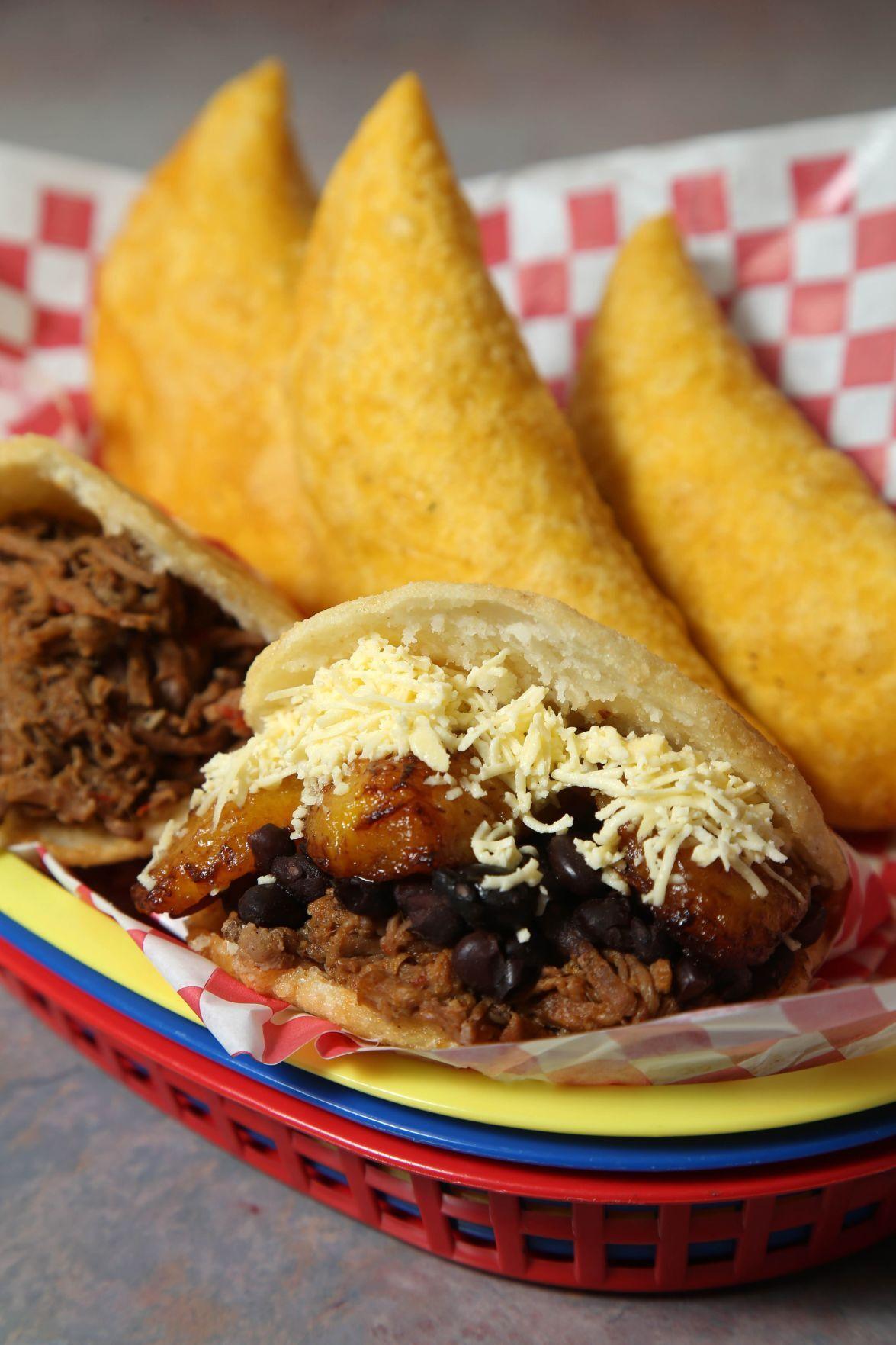 El Arepaso arepas/empanadas 1