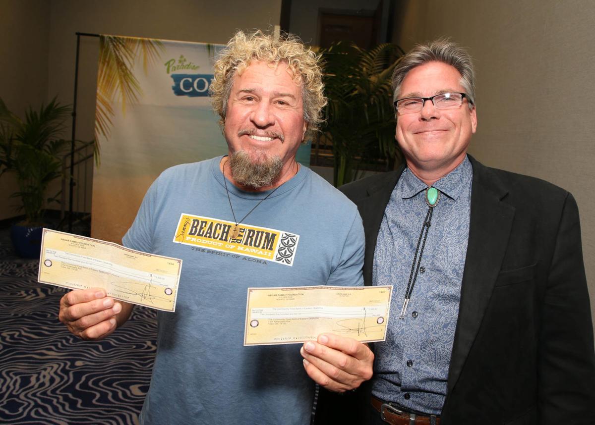 Sammy Hagar Donates To Local Food Bank Before River Spirit Show Music Tulsaworld Com