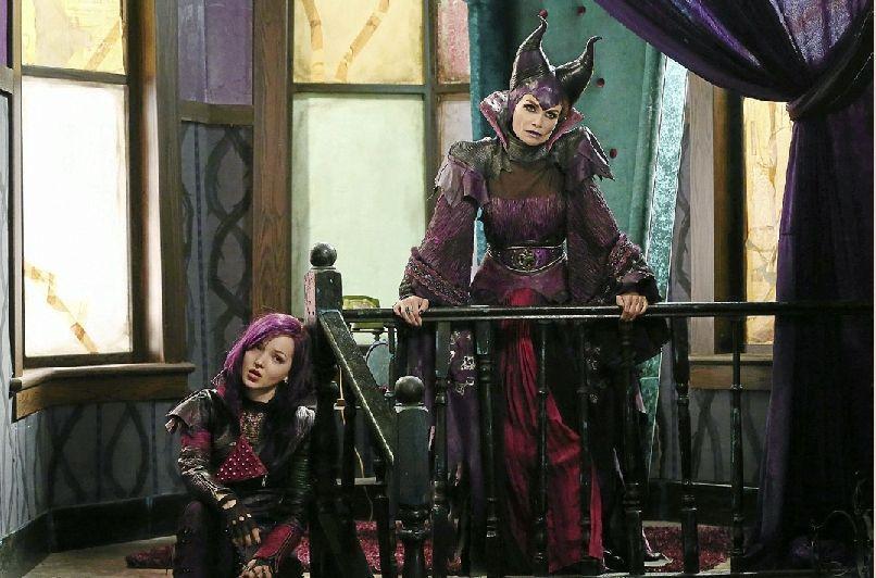 Kristin Chenoweth Plays Evil Maleficent In Descendants