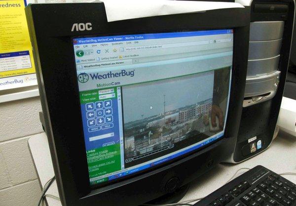 Students catch WeatherBug | Education | tulsaworld com