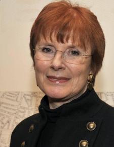 Celia Sandys