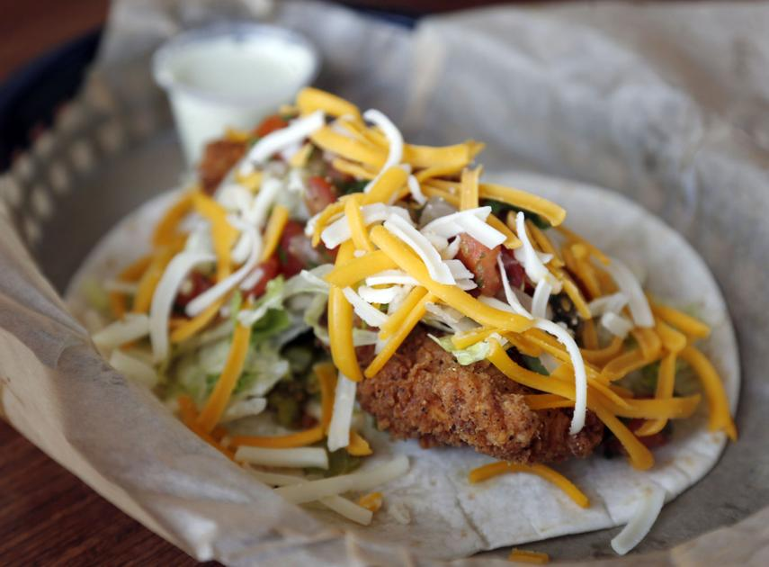 review fans flock to the new torchy s tacos in brookside foodreview tulsaworld com
