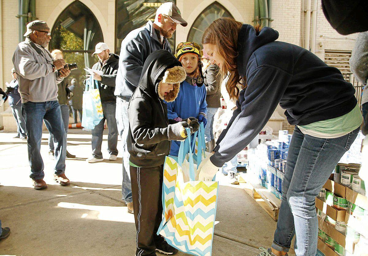Lawyers hand out Turkey dinners