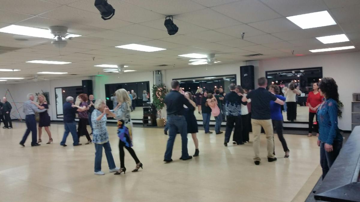 West Coast Swing Dance Group Lesson