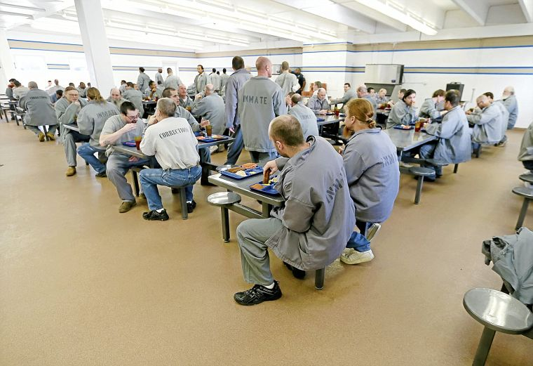 Prison reform emails show concern by Fallin aides about seeming soft on crime