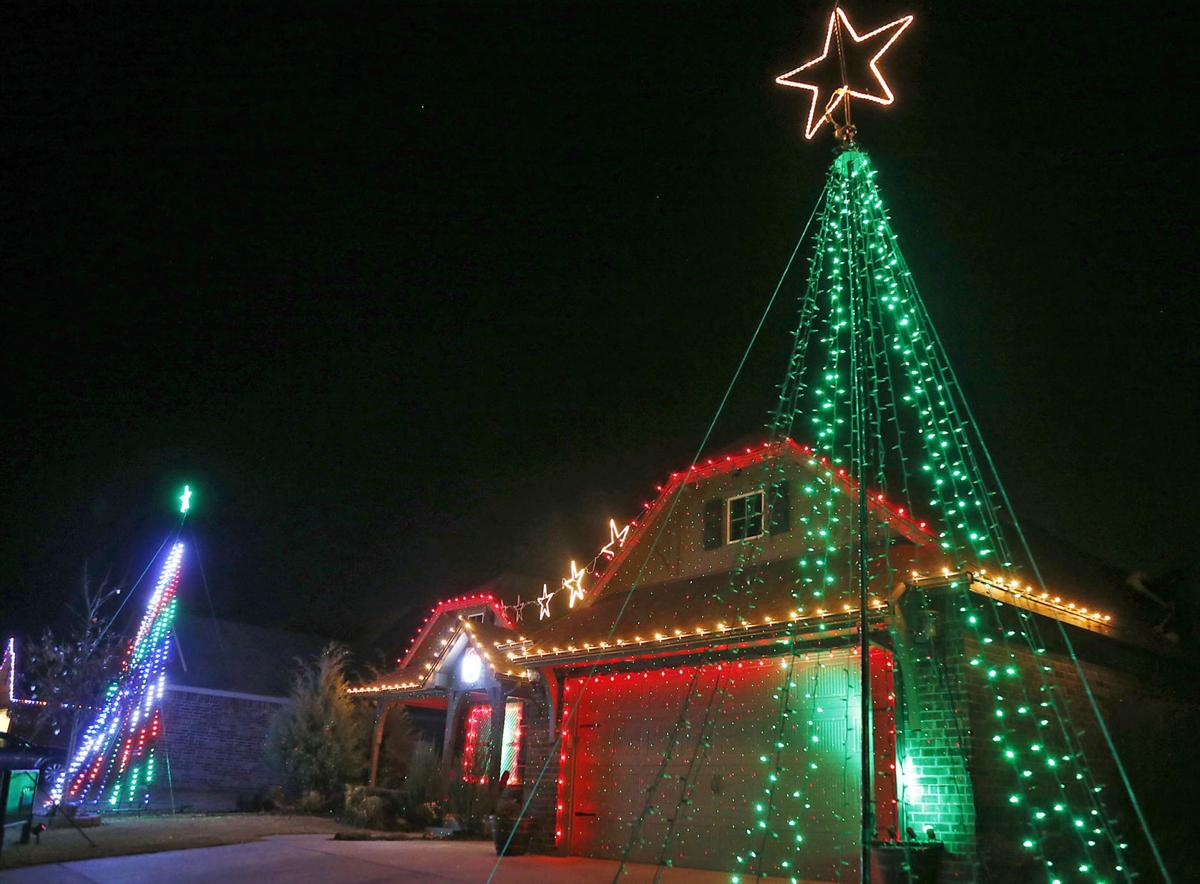 Bixby homeowner draws crowds for his holiday home light display, and ...