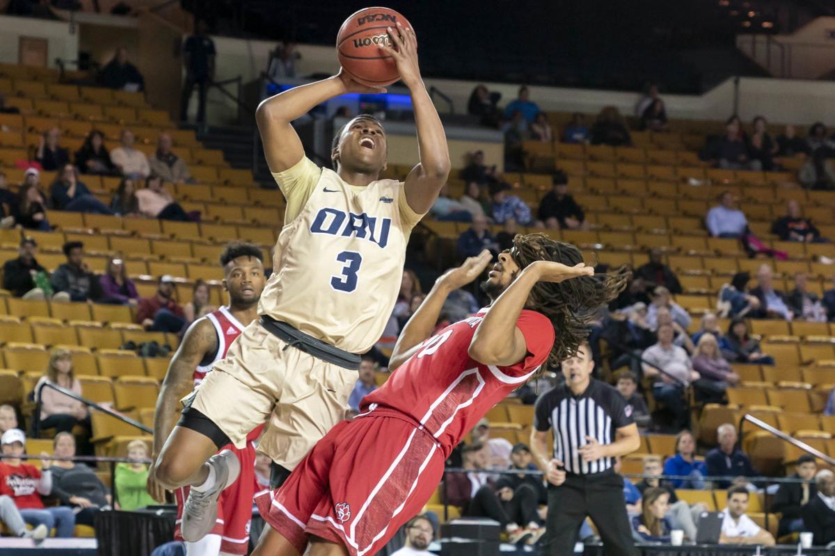 Oral Roberts University faces South Dakota - Men's Basketball
