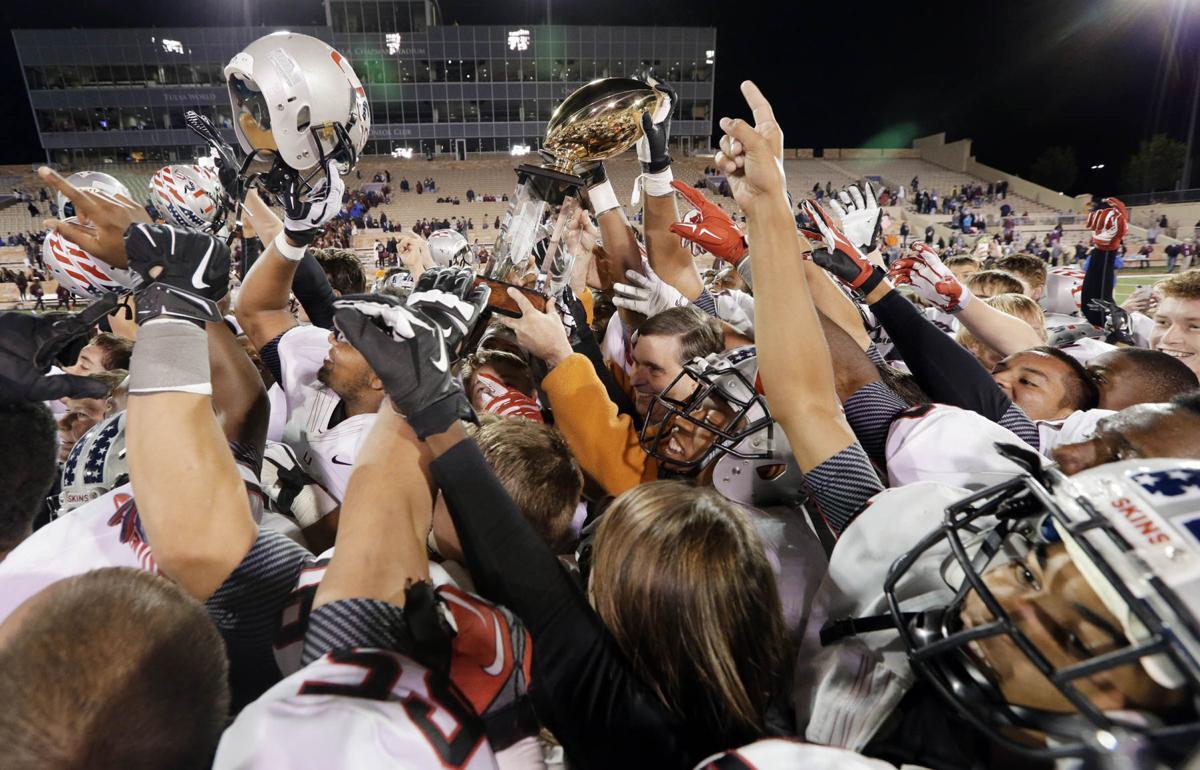 High School Football Week 2 Jenks Knocks Off Union In Backyard Bowl