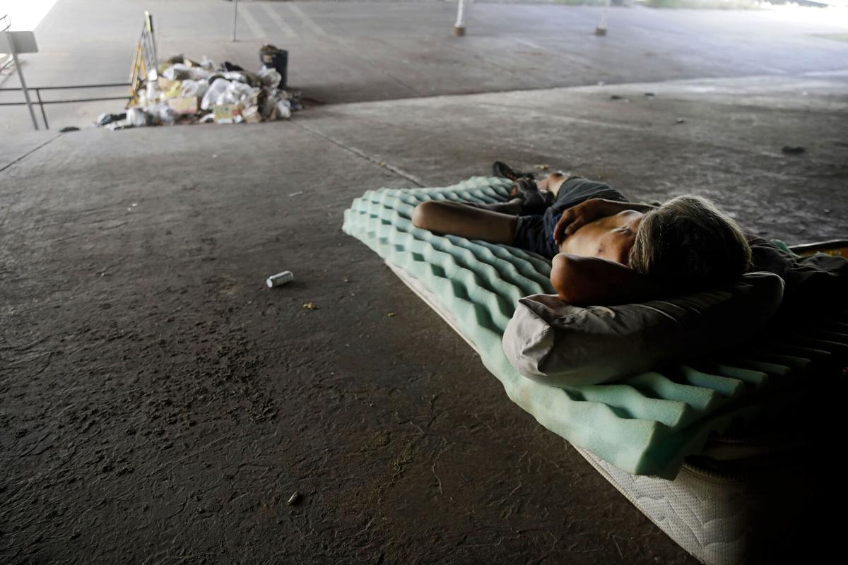 agencies reach out to homeless