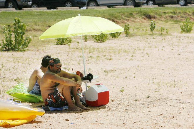 Lakegoers warned to take precautions after recent drownings | Crime