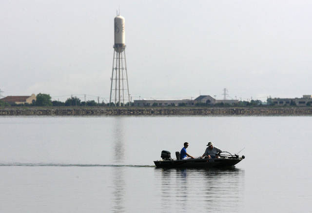 Insurance requirement stops weekly bass tournament on lake for Lake hefner fishing report