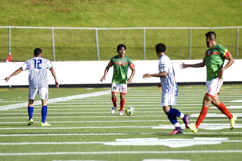 Luis Hernandez helps former Mexico stars beat Honduras 3-2 in exhibition at Rose Stadium